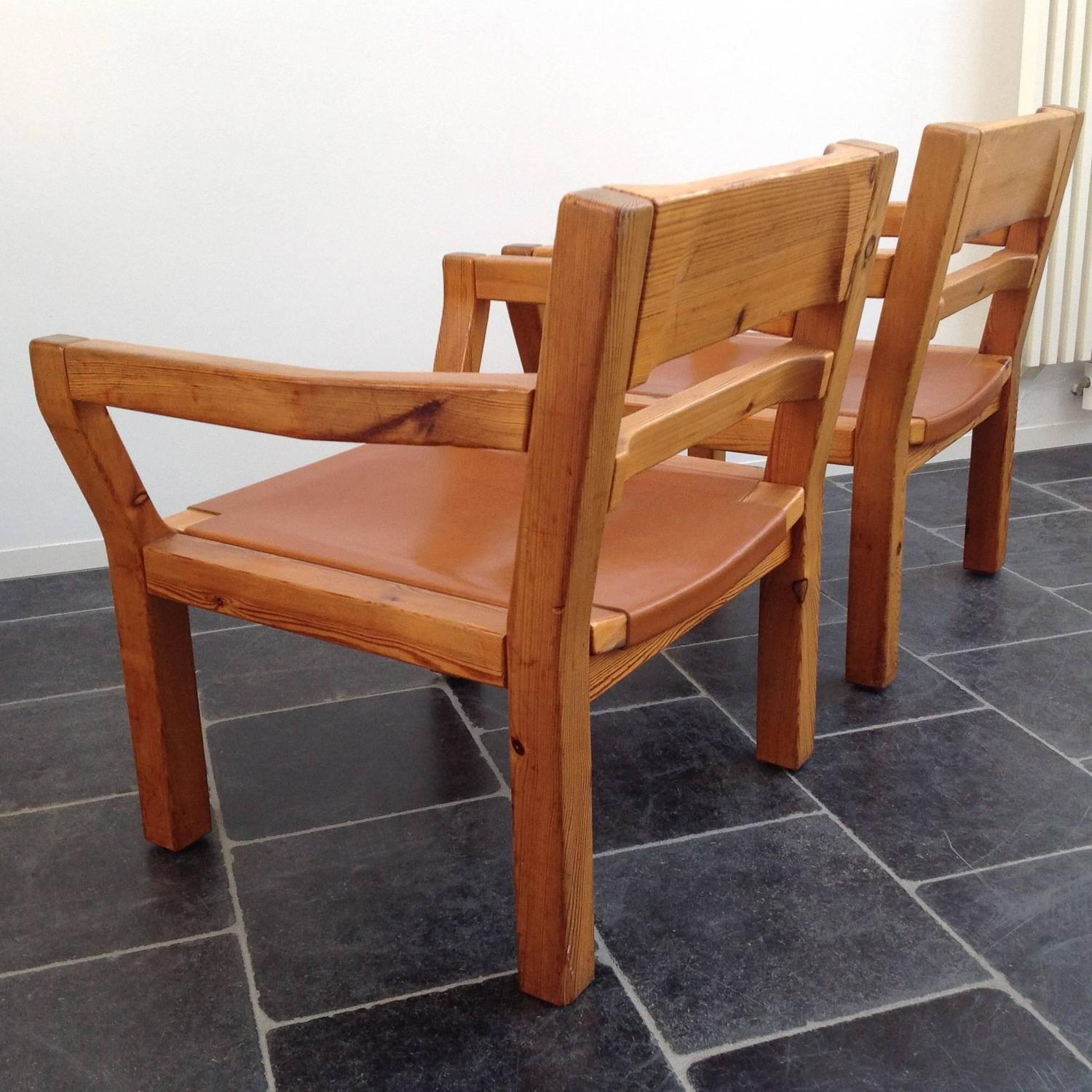 Comfortable easy chairs scandinavian pinewood and leather for Comfortable chairs for sale