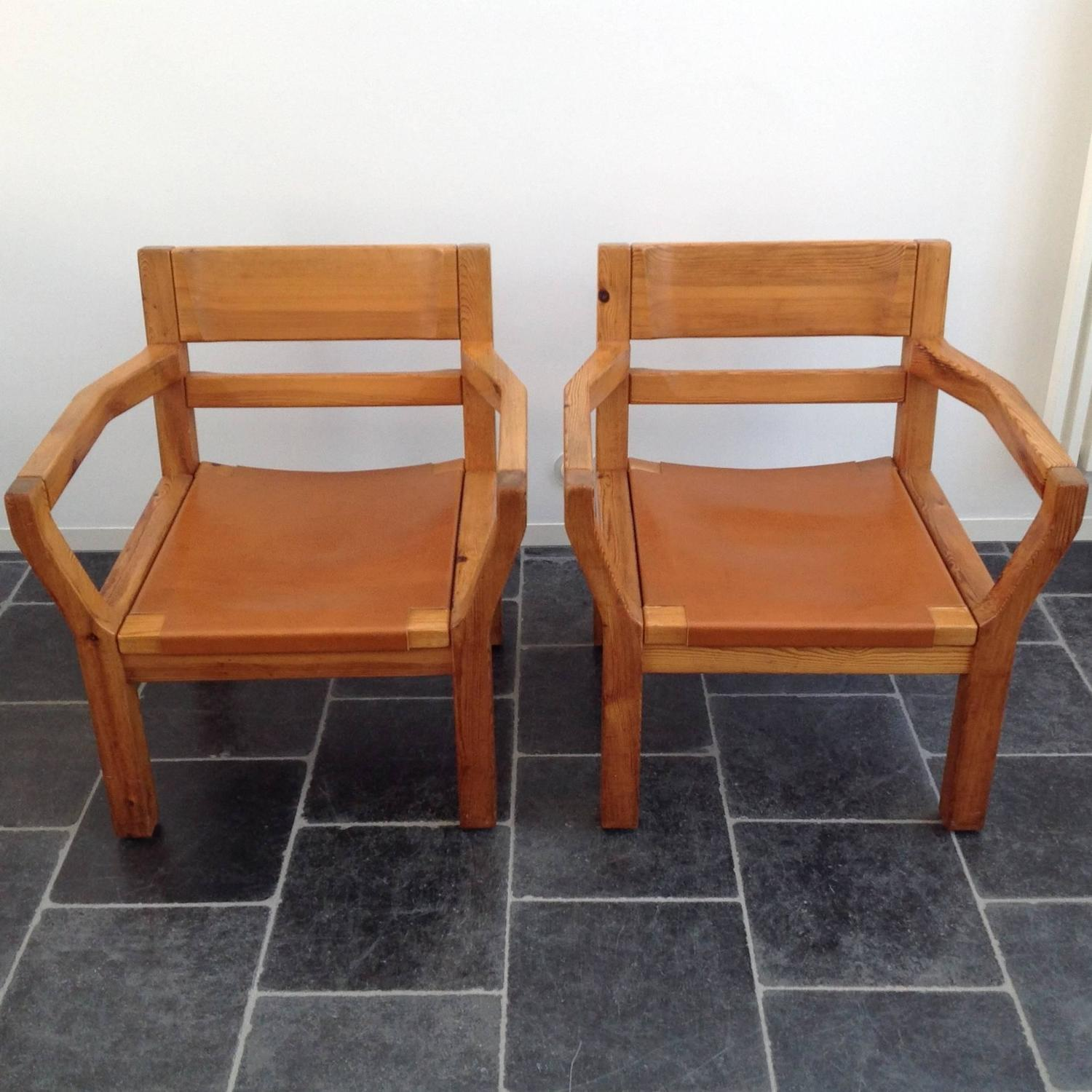 Comfortable Easy Chairs Scandinavian Pinewood And Leather