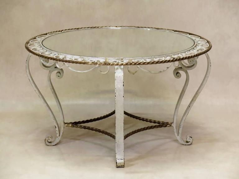 Round Art Deco Coffee Table, France, 1940s In Good Condition For Sale In Isle Sur La Sorgue, Vaucluse