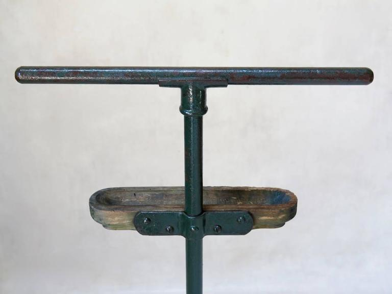20th Century Two Modernist Cast-Iron Valets, France, circa 1930s For Sale