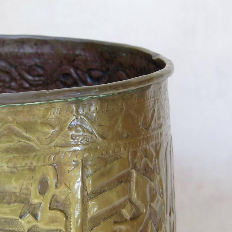 Repoussé Large Pair of Oriental Copper Pots, circa 1930s For Sale