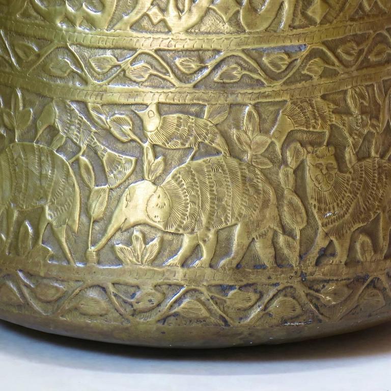 Large Pair of Oriental Copper Pots, circa 1930s For Sale 3