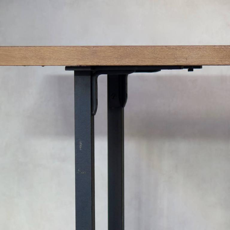 Minimalist 1940s Iron and Oak Table, France In Good Condition For Sale In Isle Sur La Sorgue, FR