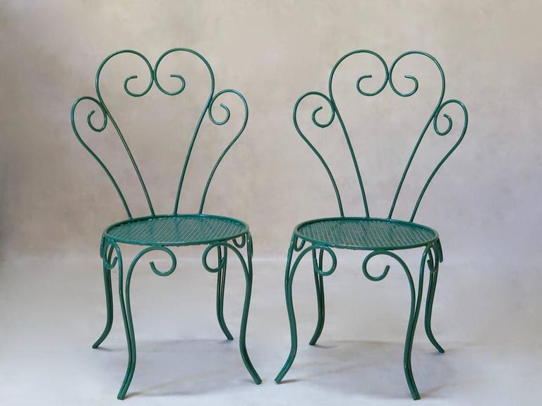 French 1950s Painted Iron Garden Set For Sale 5