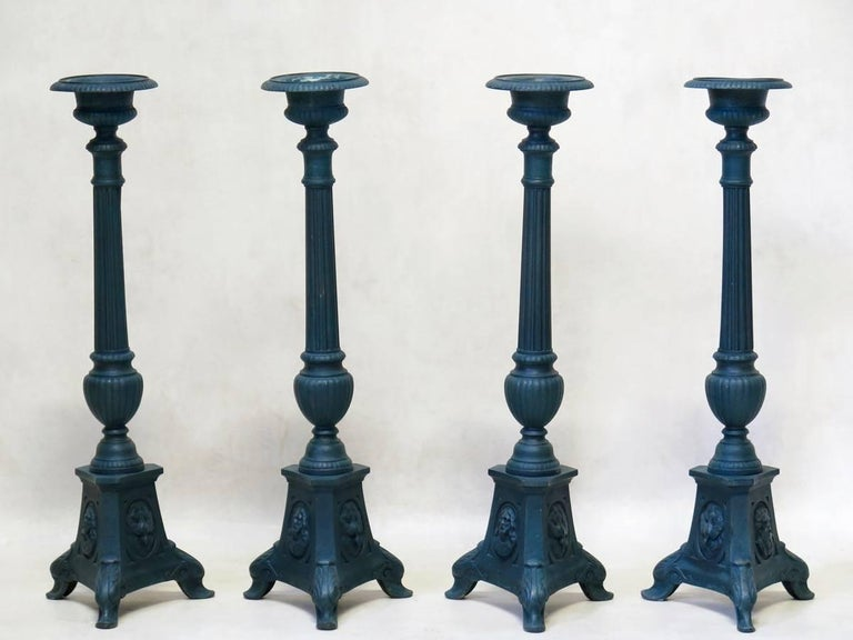 Set of Four French 19th Century Candle Sticks In Good Condition For Sale In Isle Sur La Sorgue, Vaucluse