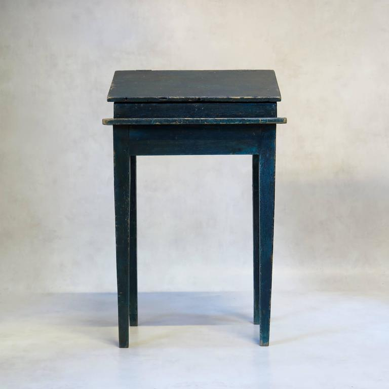 Painted Writing Desk, France, circa 1850s In Fair Condition For Sale In Isle Sur La Sorgue, Vaucluse