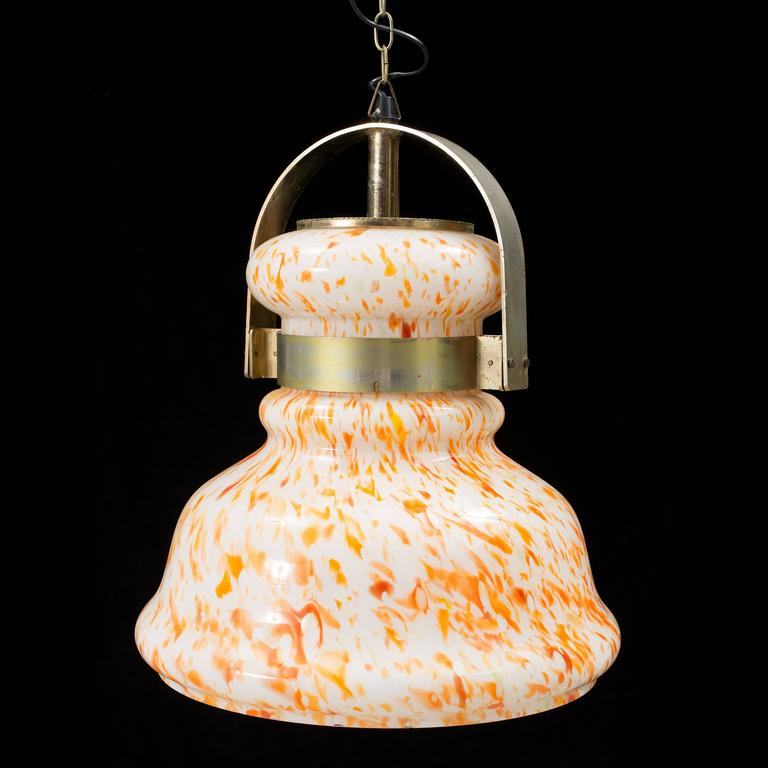 Handblown glass pendant, design attributed to Erik Hoglund, Denmark, circa 1960s. Existing wiring, rewiring available upon request.