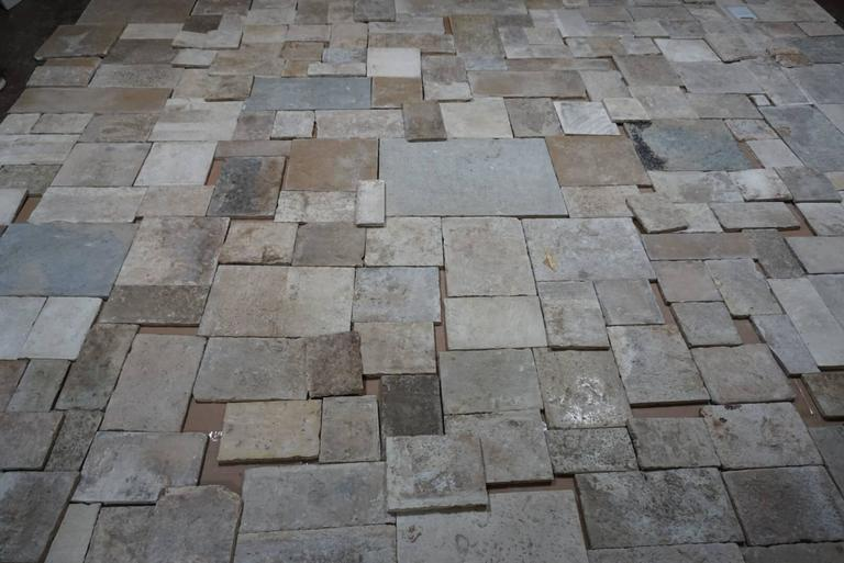 16th Century Reclaimed Antique Flooring from Burgundy, France In Excellent Condition For Sale In Dallas, TX
