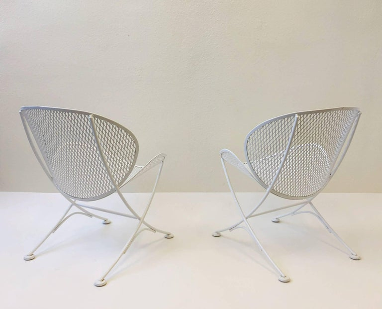 Mid-Century Modern Outdoor Lounge Chairs and Table Set by Maurizio Tempestini for Salterini For Sale