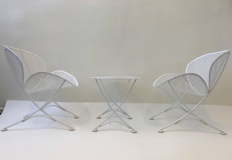 Outdoor Lounge Chairs and Table Set by Maurizio Tempestini for Salterini In Excellent Condition For Sale In Palm Springs, CA