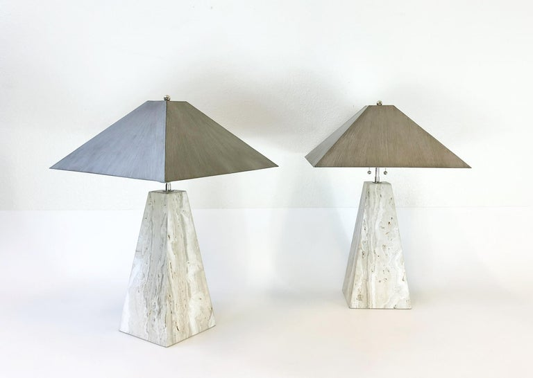 Late 20th Century Pair of Italian Travertine and Polish Nickel Obelisk Shape Table Lamps  For Sale