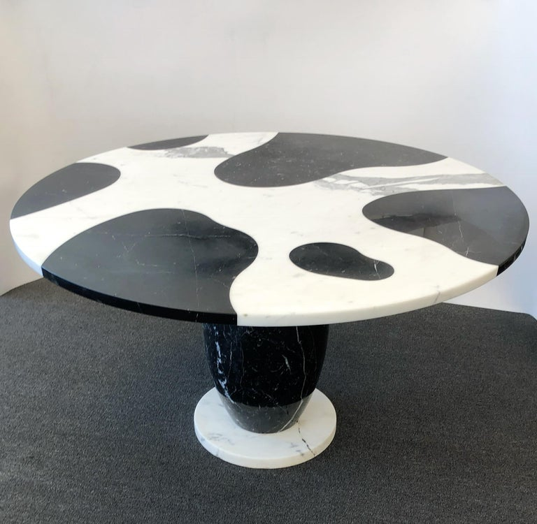 Italian Carrara and Black Marble Dining Table  In Good Condition For Sale In Palm Springs, CA