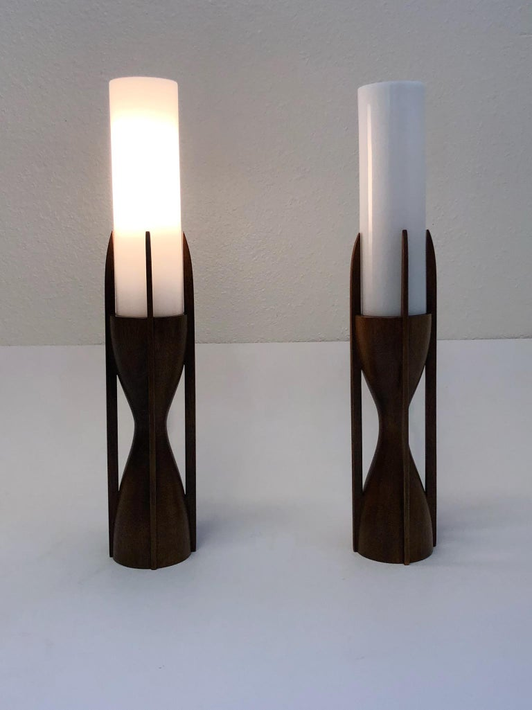 Late 20th Century Pair of Walnut and Glass Table Lamps For Sale