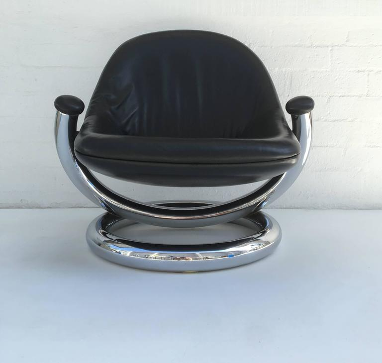 Mid-Century Modern Chrome and Black Leather Anaconda Lounge Chair by Paul Tuttle  For Sale