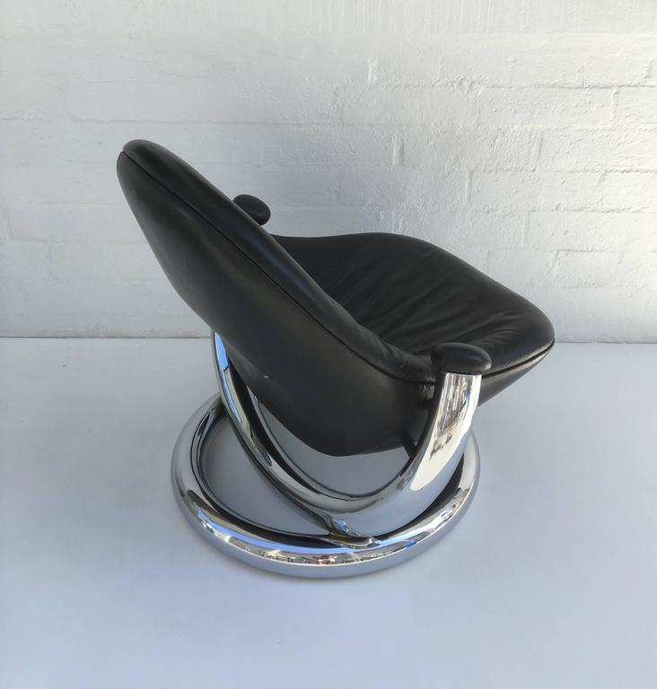 Chrome and Black Leather Anaconda Lounge Chair by Paul Tuttle  For Sale 2