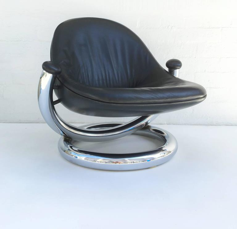 Chrome and Black Leather Anaconda Lounge Chair by Paul Tuttle  For Sale 3