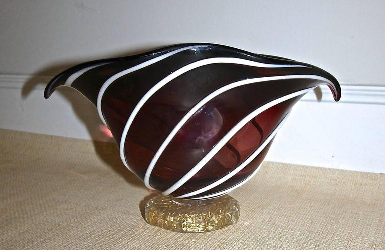 Barovier Murano Glass Centerpiece Bowl In Excellent Condition For Sale In Palm Springs, CA