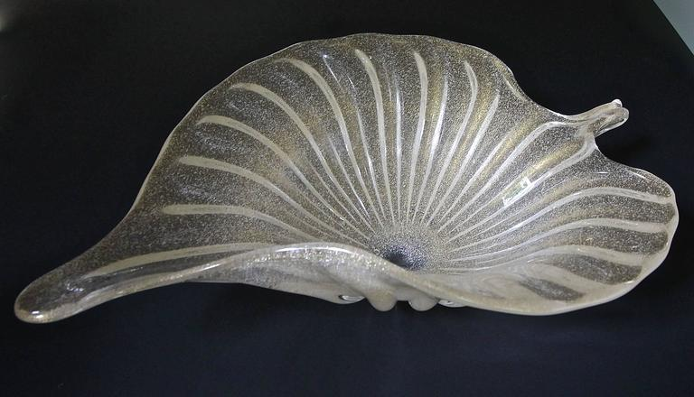 Large Murano Italian Gold Glass Leaf Shaped Centerpiece Bowl For Sale 1