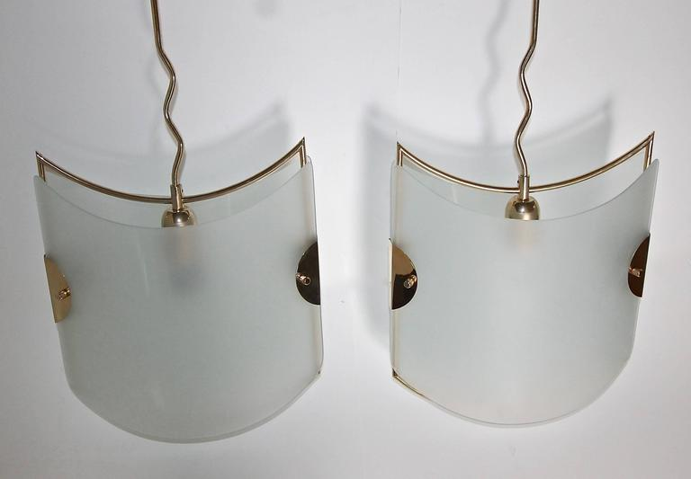 Mid-20th Century Pair of Italian Glass Brass Pendants Ceiling Lights For Sale