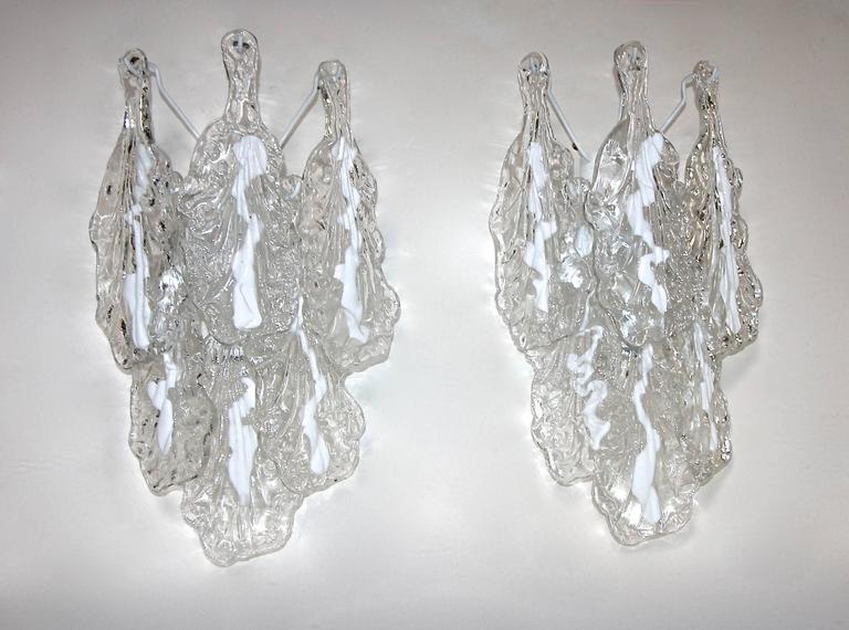 Pair of Mazzega Murano Clear White Textured Glass Sconces In Excellent Condition For Sale In Dallas, TX