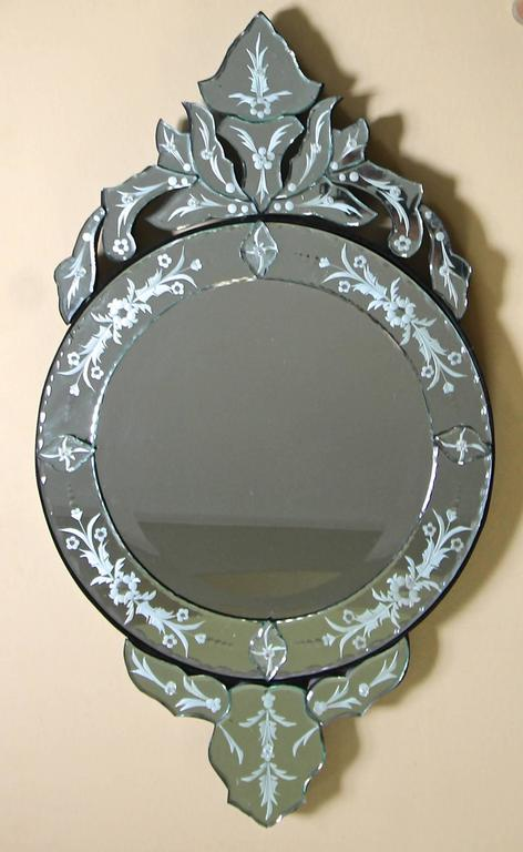 vintage venetian etched glass circular wall mirror for sale at 1stdibs. Black Bedroom Furniture Sets. Home Design Ideas