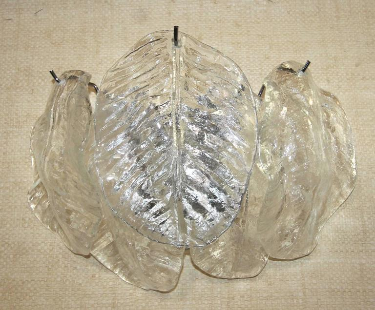 Pair of Italian Murano Mazzega Clear Leaf Wall Light Sconces In Excellent Condition For Sale In Palm Springs, CA