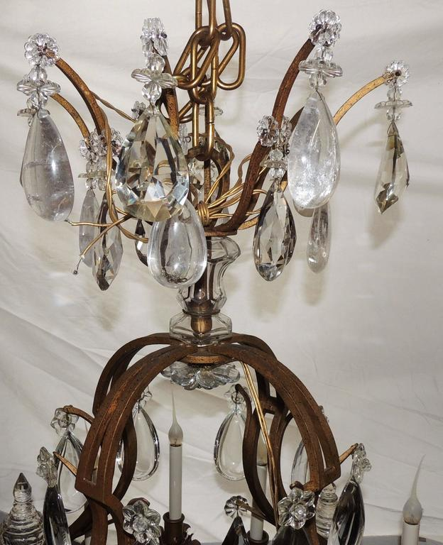 Majestic Gilt French Twelve-Light Rock Crystal Large Chandelier Bagues Fixture In Good Condition For Sale In Roslyn, NY