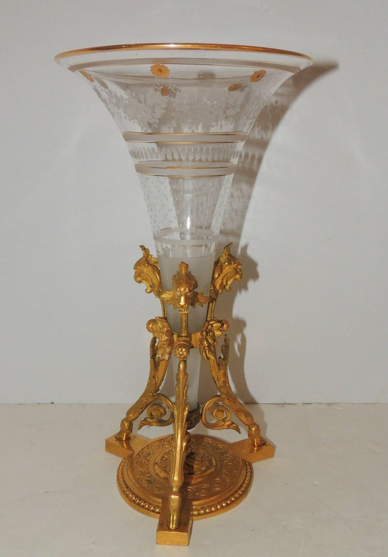 handsome pair of gilt dor bronze three lion head etched crystal ormolu vases at 1stdibs. Black Bedroom Furniture Sets. Home Design Ideas