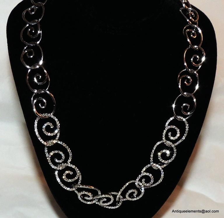 Elegant 18-Karat White Gold & Diamond Encrusted Modern Necklace & Earring Set In Good Condition For Sale In Roslyn, NY