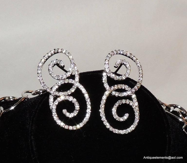 Late 20th Century Elegant 18-Karat White Gold & Diamond Encrusted Modern Necklace & Earring Set For Sale