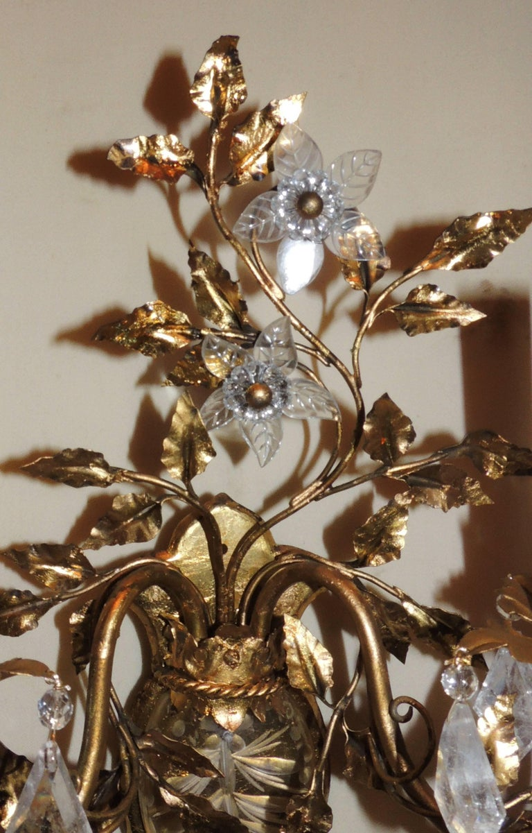 Wonderful Vintage Pair of Etched Rock Floral Filigree Crystal Sconces 7