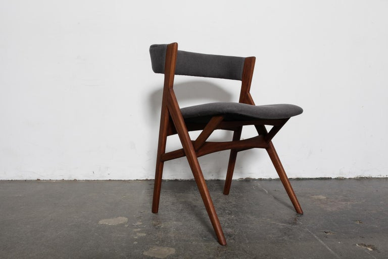 Set of 4 Teak 1950s Curved Back Danish Dining Chairs In Good Condition For Sale In North Hollywood, CA