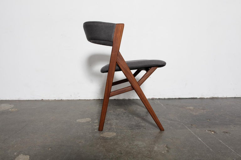 20th Century Set of 4 Teak 1950s Curved Back Danish Dining Chairs For Sale