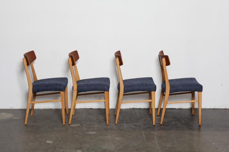 Mid-Century Modern Set of 4 Teak and Beech 1950s Danish Modern Dining Chairs with Navy Seats For Sale