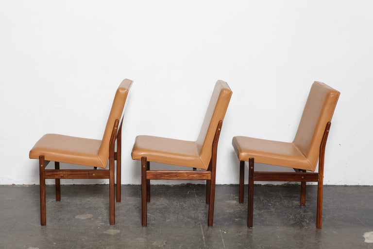 Set of 6 Brazilian Rosewood Bent Back Dining Chairs in Leather In Good Condition For Sale In North Hollywood, CA