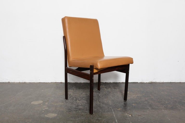 Mid-Century Modern Set of 6 Brazilian Rosewood Bent Back Dining Chairs in Leather For Sale