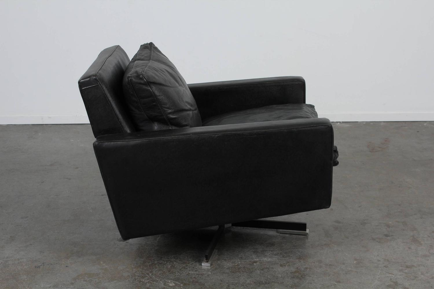 mid century modern black leather swivel chair for sale at 1stdibs. Black Bedroom Furniture Sets. Home Design Ideas