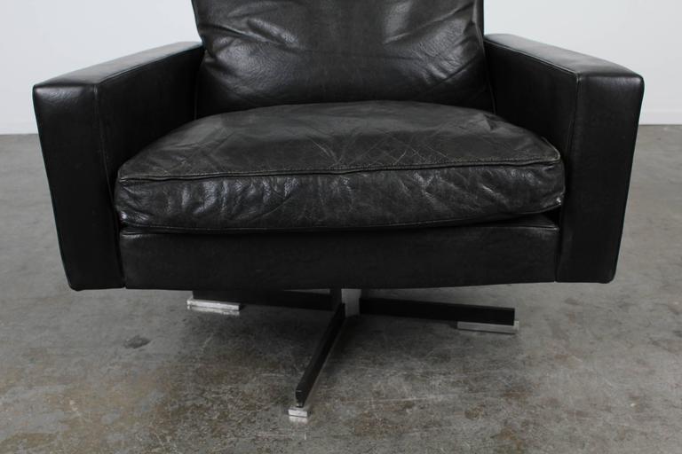 Mid Century Modern Black Leather Swivel Chair At 1stdibs