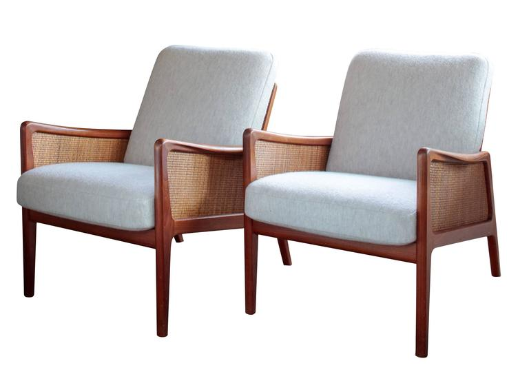 Pair of Midcentury Peter Hvidt and Olga Mølgaard Lounge Chairs 2