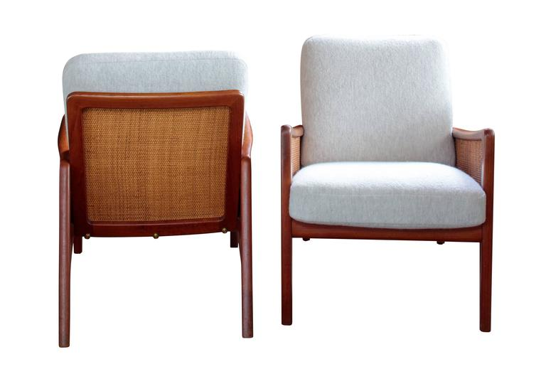 Pair of Midcentury Peter Hvidt and Olga Mølgaard Lounge Chairs 3