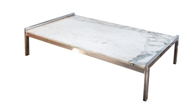 Stunning French 1970s low coffee table in marble and chrome in the style of Arflex.