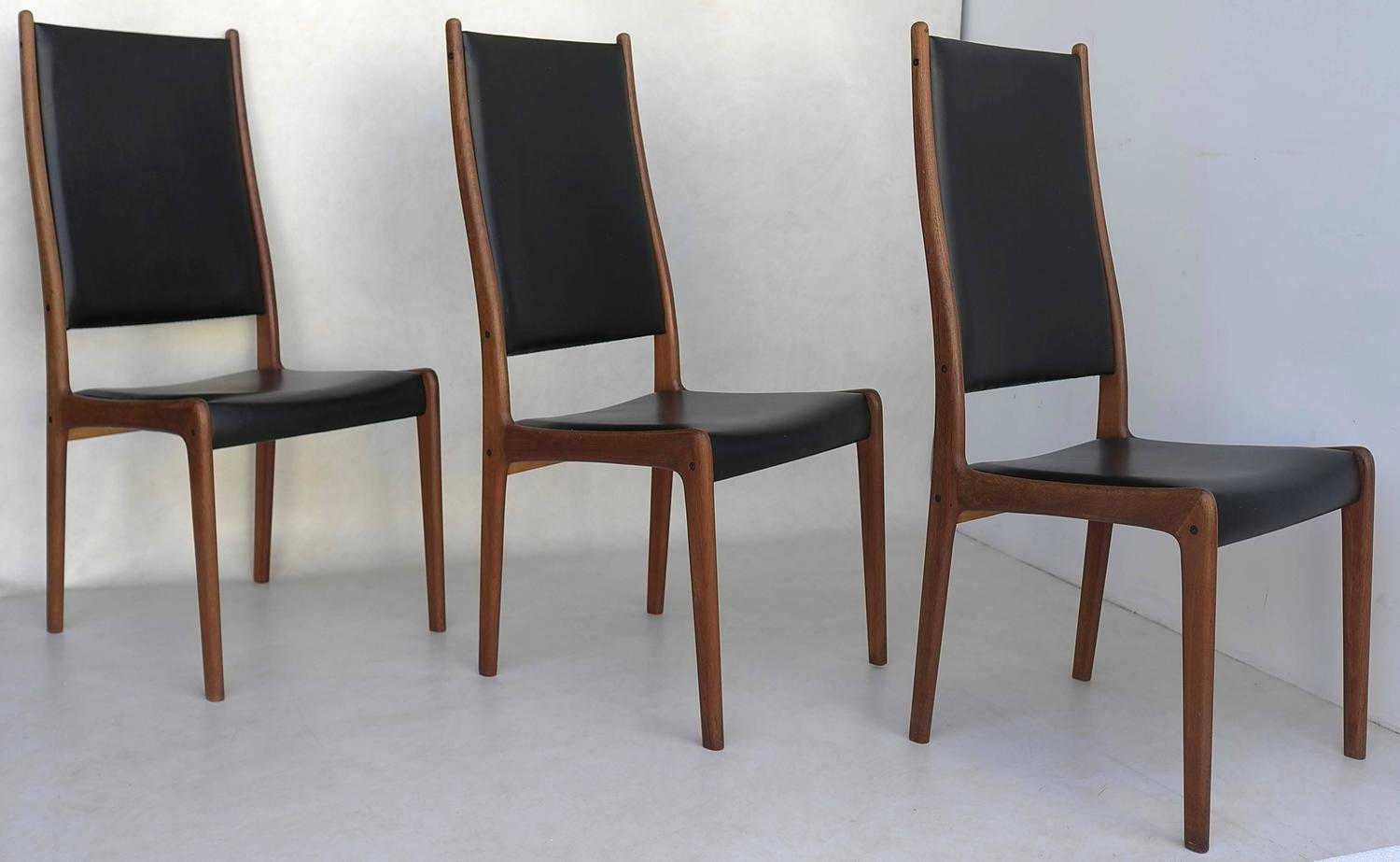 Set Of Six High Back Dining Chairs By Johannes Andersen In Teak For Sale At 1