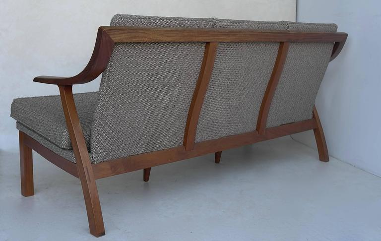 Organic three-seat Sofa with Two Armchairs, Japan 1965 For Sale 1