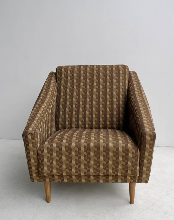 Mid-Century Modern Italian 1950s Armchair in Style of Gio Ponti For Sale