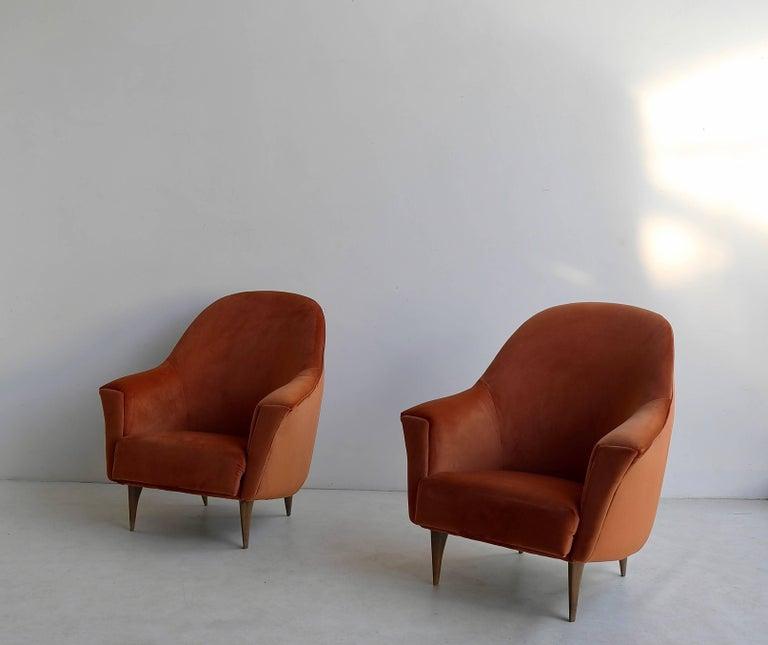 Mid-Century Modern Pair of Armchairs in Red Terra Velvet, Italy, 1950s For Sale