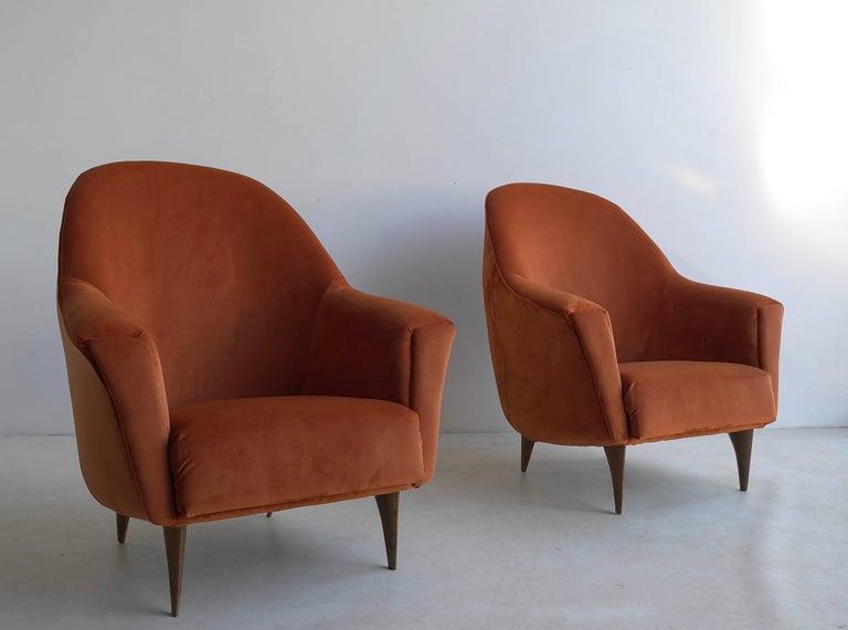 Italian Pair of Armchairs in Red Terra Velvet, Italy, 1950s For Sale