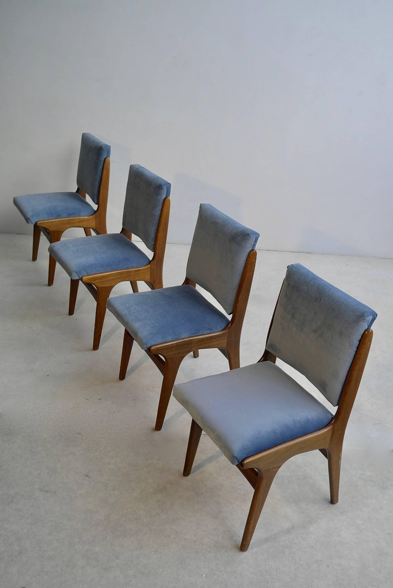 Four Dining Chairs in Ice Blue Velvet, in Style of Carlo di Carli, Italy, 1950s For Sale 2