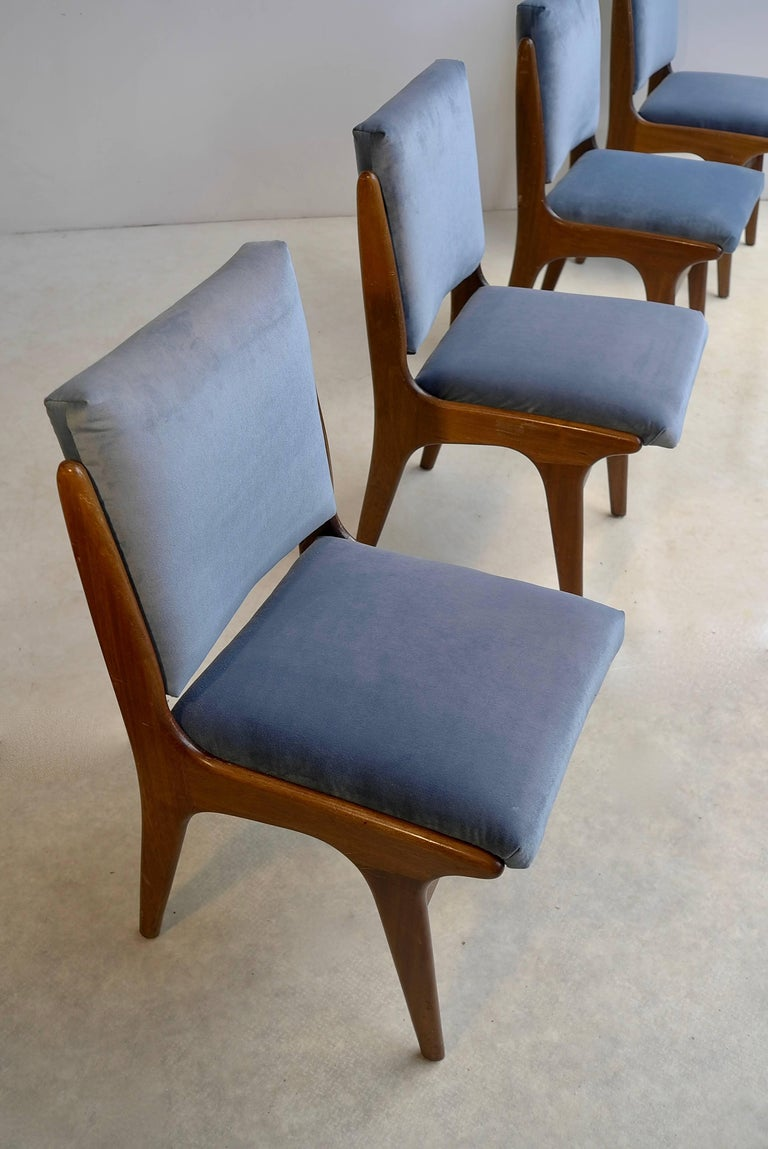 Mid-Century Modern Four Dining Chairs in Ice Blue Velvet, in Style of Carlo di Carli, Italy, 1950s For Sale