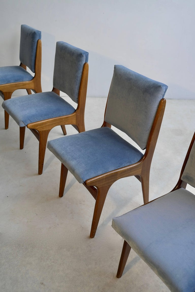 Four Dining Chairs in Ice Blue Velvet, in Style of Carlo di Carli, Italy, 1950s For Sale 1