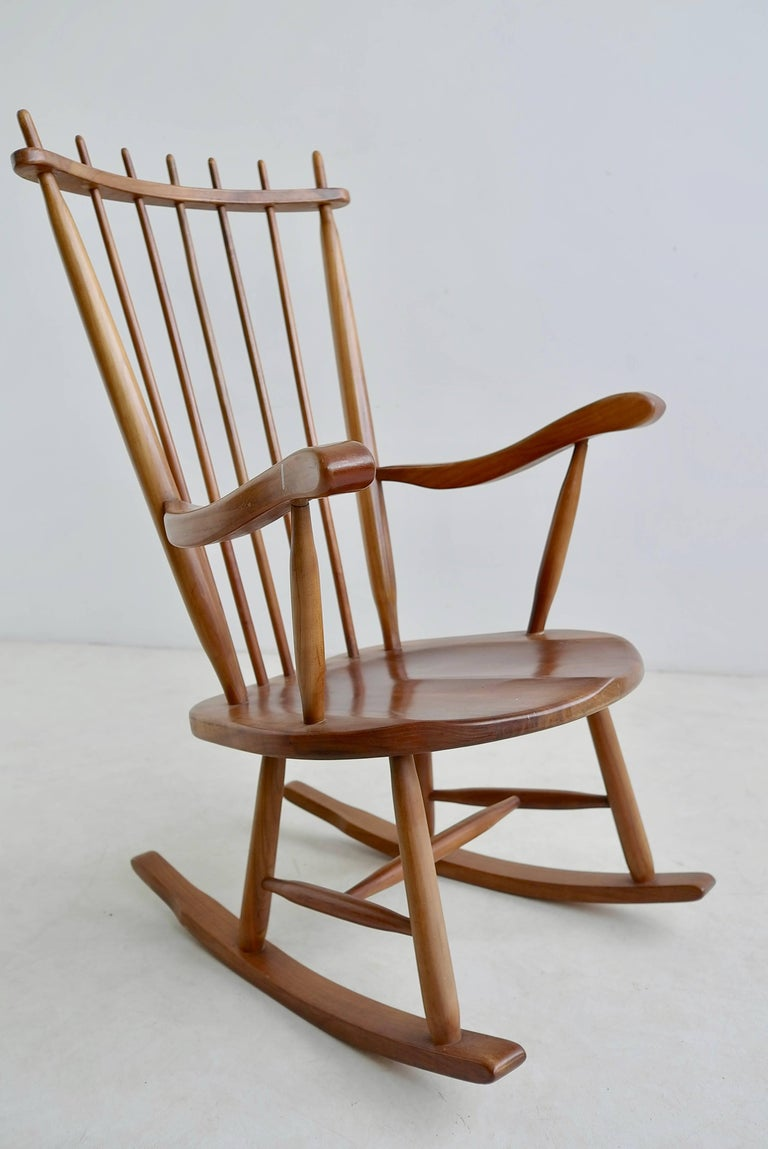 Organic Rocking Chair in Style of George Nakashima For Sale 1